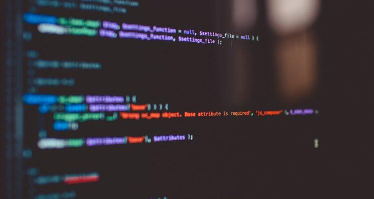 Quelles sont les compétences requises pour devenir un développeur web ?
